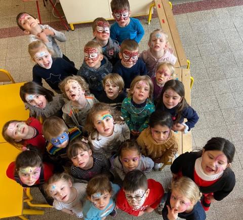 Der Kindergarten bereitet sich auf den Karneval vor/ Les maternelles se préparent pour le carnaval